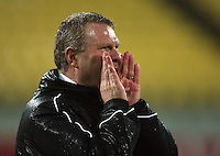 Phoenix coach Ricki Herbert screams instructions to his team during the A-League football match between Wellington Phoenix and Perth Glory at Westpac Stadium, Wellington, New Zealand on Sunday, 16 August 2009. Photo: Dave Lintott / lintottphoto.co.nz