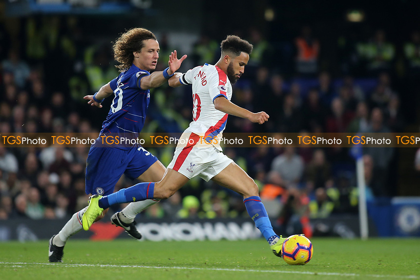 Andros Townsend of Crystal Palace bursts through the Chelsea defence to score their opening goal as David Luiz tries to intervene during Chelsea vs Crystal Palace, Premier League Football at Stamford Bridge on 4th November 2018