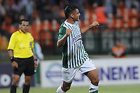 MEDELLIN -COLOMBIA-14-09-2013. Jefferson Duque de Nacional celebra un gol en contra de Medellin durante partido de la fecha 9 de la Liga Postobón II 2013 jugado en el estadio Atanasio Girardot de la ciudad de Medellín./ Nacional Jefferson Duque celebrates a goal against Medellin during match on the 9th date of the Postobon League II 2013 at Atanasio Girardot stadium in Medellin city. Photo: VizzorImage/Luis Ríos/STR
