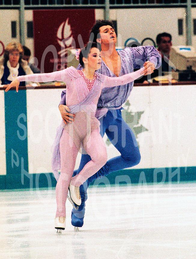 Natalia Mishutenok and Artur Dmitrev Russia. 1992 Olympics Albertville. Photo Scott Grant