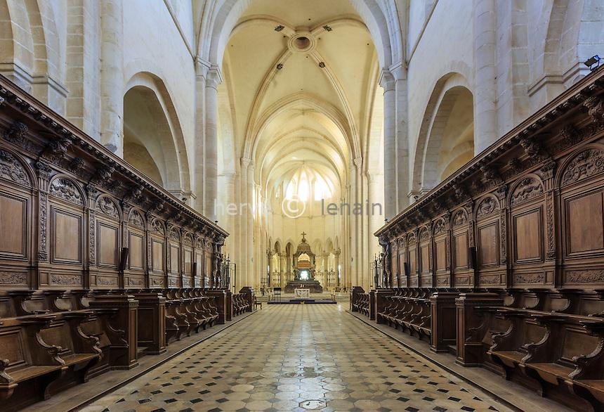 France, Yonne(89), Pontigny, abbaye cistercienne de Pontigny, église abbatiale, les stalles et le choeur // France, Yonne, Pontigny, Cistercian abbey of Pontigny, the church