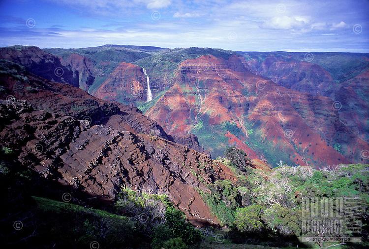 Waipoo Falls, Waimea Canyon, west Kauai, as seen from overlook along Waimea canyon Drive