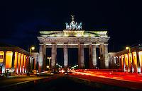 Brandenburg Gate (Brandenburger Tor) at night, Pariser Platz, Mitte, Berlin, Germany