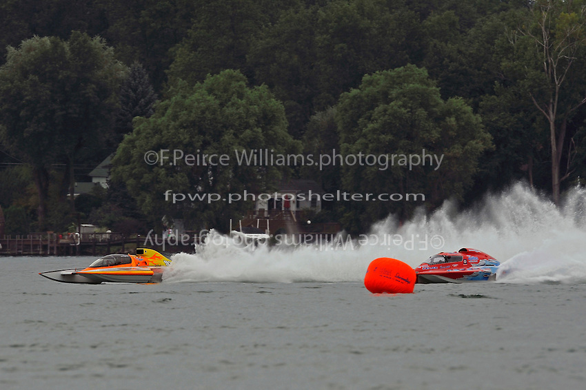 """Jimmy King, GP-93 """"Renegade""""  takes the lead from Marc Theoret, GP-444 """"GP Valleyfield"""" (Grand Prix Hydroplane(s)"""