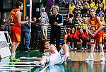 S&ouml;dert&auml;lje 2015-11-21 Basket EM-kval Sverige - Spanien :  <br /> Sveriges Amanda Zahui ser nedst&auml;md ut efter att ha fallit i en n&auml;rkamp under matchen mellan Sverige och Spanien <br /> (Foto: Kenta J&ouml;nsson) Nyckelord:  T&auml;ljehallen Basket Landslag Landslaget Dam Damer Dambasket Dambasketlandslaget Basketlandslaget Sverige Sweden Svenska EM Kval EM-kval Spanien Spain Spanska depp besviken besvikelse sorg ledsen deppig nedst&auml;md uppgiven sad disappointment disappointed dejected