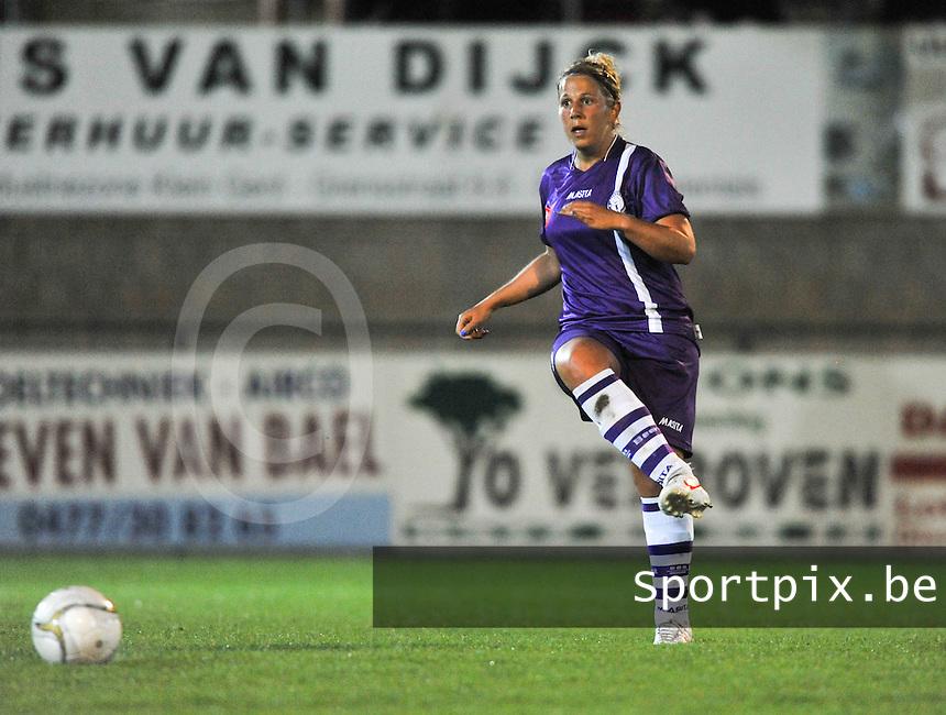 WD Lierse SK - Beerschot Dames : Katrien Van Rooy.foto JOKE VUYLSTEKE / Vrouwenteam.be