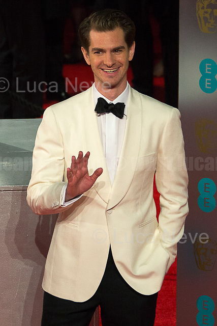 Andrew Garfield.<br /> <br /> London, 12/02/2017. Red Carpet of the 2017 EE BAFTA (British Academy of Film and Television Arts) Awards Ceremony, held at the Royal Albert Hall in London.<br /> <br /> For more information please click here: http://www.bafta.org/