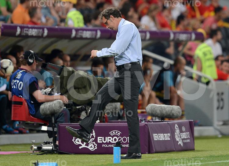 FUSSBALL  EUROPAMEISTERSCHAFT 2012   VIERTELFINALE Spanien - Frankreich      23.06.2012 Trainer Laurent Blanc (Frankreich) enttaeuscht