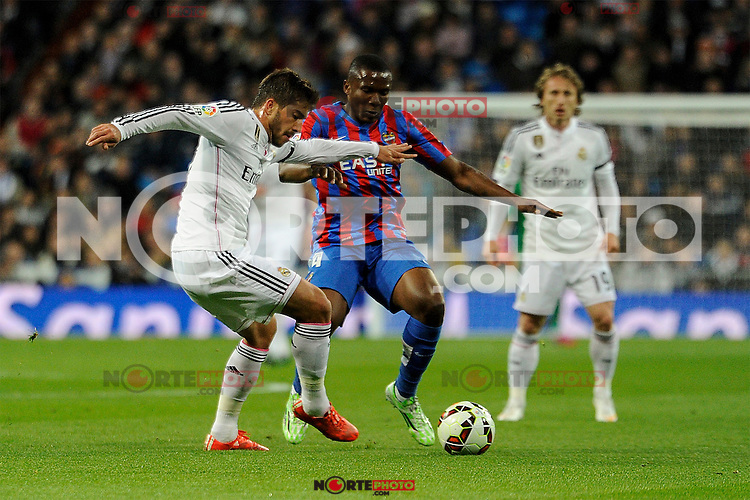 Real Madrid´s Lucas silva and Levante UD´s Simao Mate during 2014-15 La Liga match between Real Madrid and Levante UD at Santiago Bernabeu stadium in Madrid, Spain. March 15, 2015. (ALTERPHOTOS/Luis Fernandez) /NORTEphoto.com
