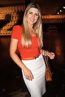 SAO PAULO, SP, 19, DE JANEIRO 2012 - SAO PAULO FASHION WEEK  - A apresentadora Iris Stephanelli durante o primeiro dia de desfiles edição Outono-Inverno 2012, da São Paulo Fashion Week, na Bienal do Ibirapuera na regiao sul da capital paulista. (FOTO: UINY MIRANDA - NEWS FREE).