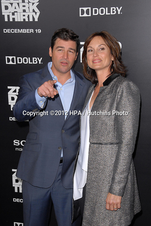 LOS ANGELES - DEC 10:  Kyle Chandler, Kathryn Chandler arrives to the 'Zero Dark Thirty' premiere at Dolby Theater on December 10, 2012 in Los Angeles, CA