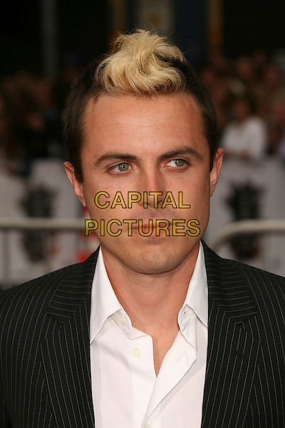 "CASEY AFFLECK.""Ocean's Thirteen"" Los Angeles Premiere at Grauman's Chinese Theatre, Hollywood, California, USA..June 5th, 2007.headshot portrait mohawk bleached blonde hair .CAP/ADM/BP.©Byron Purvis/AdMedia/Capital Pictures"