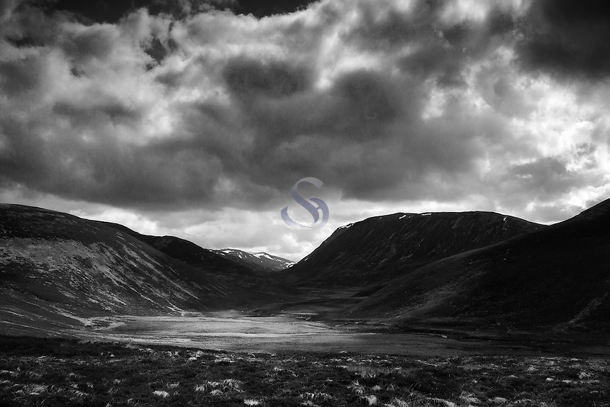 Strath Nethy and Cairn Gorm, Abernethy National Nature Reserve, Cairngorm National Park, Badenoch & Speyside
