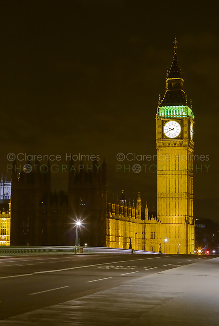 Big Ben (Elizabeth Tower) and the Westminster Bridge at dusk in London, England, UK.