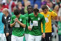 FUSSBALL   1. BUNDESLIGA   SAISON 2012/2013   3. SPIELTAG Hannover 96 - SV Werder Bremen     15.09.2012 Zlatko Junuzovic, Philipp Bargfrede und Sebastian Mielitz (SV Werder Bremen) (v.l., alle SV Werder Bremen) sind nach dem Abpfiff enttaeuscht