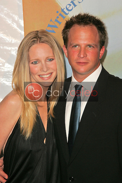 Lauralee Bell and husband Scott<br />at the 2006 Writers Guild Awards. Hollywood Palladium, Hollywood, CA. 02-04-06<br />Dave Edwards/DailyCeleb.com 818-249-4998