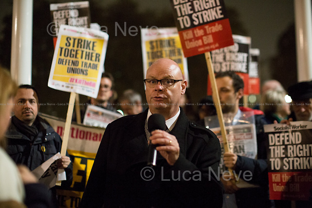 Steve Gillan (General Secretary of Prison Officers Association, POA).<br />