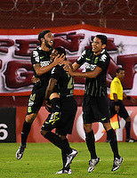 BUENOS AIRES - ARGENTINA - 24-02-2016: Los jugadores de Atletico Nacional de Colombia, celebran el segundo gol anotado a Huracan de Argentina, durante partido de la Primera Fecha del Grupo 4 por la Segunda Fase, entre Huracan y Atletico Nacional de la Copa Bridgestone Libertadores 2016 en el Estadio Tomas A Duco, de la ciudad de Buenos Aires.  / The players of Atletico Nacional of Colombia, celebrate the second goal scored against Huracan of Argentina, during a match for the first date of the Group 4 for the second phase between Huracan and Atletico Nacional of Colombia for the Bridgestone Libertadores Cup 2016, in the Tomas A Duco, Stadium, in Buenos Aires city. Photo: JamMedia / Marcelo Frias / VizzorImage / Cont
