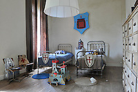 The theme of this boys' bedroom is 'medieval knights'