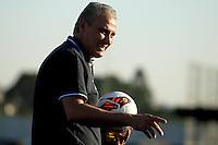 SAO PAULO, SP 16 de JULHO 2013 - TREINO CORINTHIANS - O técnico Tite do Corinthians, durante treino de hoje, 16, no Ct. Dr. Joaquim Grava, na zona leste de São Paulo. FOTO: PAULO FISCHER/BRAZIL PHOTO PRESS
