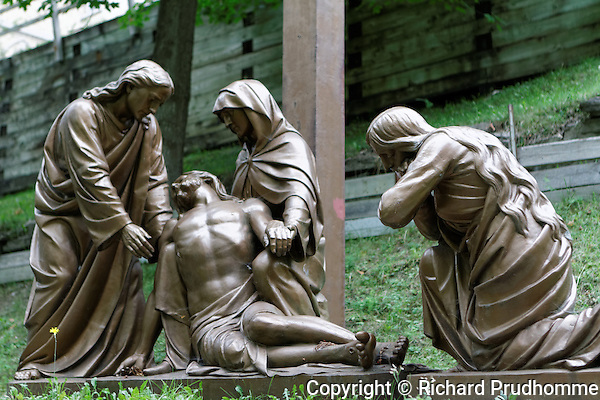 Stations of the cross, Jesus is taken down from the cross