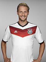 FUSSBALL   PORTRAIT TERMIN DEUTSCHE NATIONALMANNSCHAFT 24.05.2014 Benedikt Hoewedes (Deutschland)