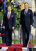 United States President George H.W. Bush, right, hosts a State Arrival ceremony on the South Lawn of the White House honoring President Václav Havel of Czechoslovakia, left, on October 22, 1991.  Havel is visiting Washington for a State Visit.<br /> Credit: Ron Sachs / CNP