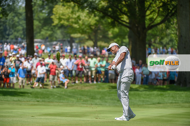 Tiger Woods (USA) hits his third shot on 2 during 3rd round of the World Golf Championships - Bridgestone Invitational, at the Firestone Country Club, Akron, Ohio. 8/4/2018.<br /> Picture: Golffile | Ken Murray<br /> <br /> <br /> All photo usage must carry mandatory copyright credit (© Golffile | Ken Murray)