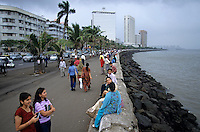"S?dasien Asien Indien IND Mumbai , Marine Drive am Meer , Air India Building und Oberoi Trident Hotel am Nariman Point , dem Geschaeftsviertel von Bombay | .South Asia India Mumbai , Marine Drive at sea with Air India Building and Oberoi Triden Hotel am Nariman Point .| [ copyright (c) Joerg Boethling / agenda , Veroeffentlichung nur gegen Honorar und Belegexemplar an / publication only with royalties and copy to:  agenda PG   Rothestr. 66   Germany D-22765 Hamburg   ph. ++49 40 391 907 14   e-mail: boethling@agenda-fototext.de   www.agenda-fototext.de   Bank: Hamburger Sparkasse  BLZ 200 505 50  Kto. 1281 120 178   IBAN: DE96 2005 0550 1281 1201 78   BIC: ""HASPDEHH"" ,  WEITERE MOTIVE ZU DIESEM THEMA SIND VORHANDEN!! MORE PICTURES ON THIS SUBJECT AVAILABLE!! INDIA PHOTO ARCHIVE: http://www.visualindia.net ] [#0,26,121#]"
