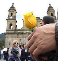 BOGOTA -COLOMBIA. 22-04-2014. Homenaje y despedida a Gabriel Garcia Marquez, Premio Nobel de literatura fallecido en Mexico 1927-2014.  en La Catedral Primada de Bogota / Tribute and farewell to Gabriel Garcia Marquez, Nobel Prize in literature died in Mexico from 1927 to 2014. in the Cathedral of Bogota  Photo: VizzorImage/ Felipe Caicedo / Staff