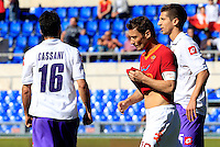 Calcio, Serie A: Roma-Fiorentina. Roma, stadio Olimpico, 25 aprile 2012. Il capitano della Roma Francesco Totti, al centro, lascia il campo a fine partita. La Fiorentina ha vinto 2-1..AS Roma forward Francesco Totti, center, leaves the pitch at the end of the Italian Serie A football match between AS Roma and Fiorentina, at Rome Olympic stadium, 25 april 2012. Fiorentina won 2-1..UPDATE IMAGES PRESS/Riccardo De Luca
