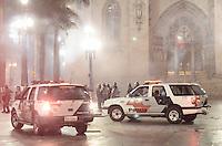 SAO PAULO, SP, 11 de junho 2013- Policiais entra em confronto com Manifestantes ligados ao Movimento Passe Livre na Praca da Se que realizam protesto contra o aumento da tarifa de ônibus para R$3,20 na Avenida Paulista, região central de São Paulo, no final da tarde desta terça-feira (11) ADRIANO LIMA / BRAZIL PHOTO PRESS).