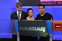 NEW YORK, NY - DECEMBER 31: NIVEA Kiss Ambassadors Mario Lopez and wife Courtney Mazza ring the NASDAQ Stock Market closing bell on New Year's Eve at NASDAQ MarketSite at Times Square in New York City. December 31, 2012. Credit: RW/MediaPunch Inc. /NortePhoto