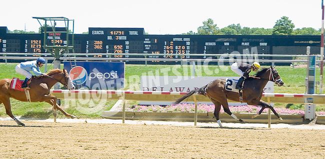Yes Papi Yes winning at Delaware Park on 7/25/12