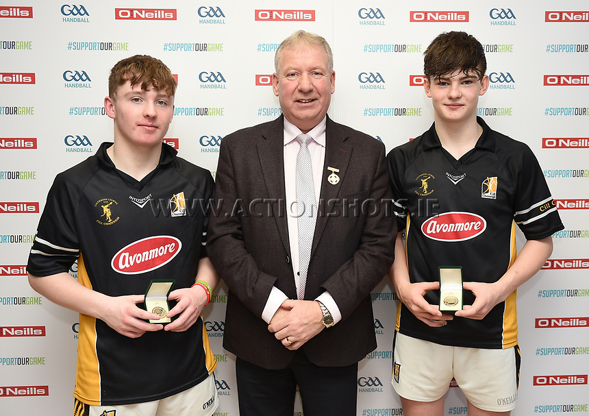 19/03/2018; 40x20 All Ireland Juvenile Championships Finals 2018; Kingscourt, Co Cavan;<br /> Boys Under-16 Doubles; Kilkenny (Kyle Dunne/Jack Doyle) v Tipperary (Jack McGrath/Conor O&rsquo;Dwyer)<br /> Winners Kyle Dunne and Jack Doyle with GAA Handball President Joe Masterson<br /> Photo Credit: actionshots.ie/Tommy Grealy