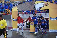 BOGOTA - COLOMBIA -07 -02-2015: Los jugadores de Millonarios y Patriotas FC durante partido entre Millonarios y Patriotas FC por la fecha 2 de la Liga Aguila I-2015, jugado en el estadio Nemesio Camacho El Campin de la ciudad de Bogota.  / The players of Millonarios and Patriotas FC during a match between Millonarios and Patriotas FC for the date 1 of the Liga Aguila I-2015 at the Nemesio Camacho El Campin Stadium in Bogota city, Photo: VizzorImage / Luis Ramirez / Staff.