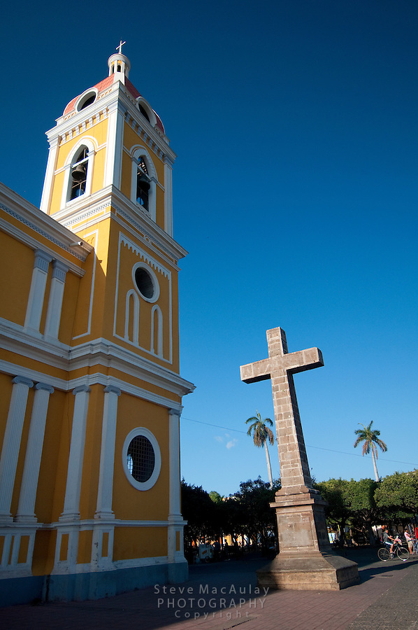 Cruz del Siglo (Century Cross) and Central Cathedral, Granada, Nicaragua