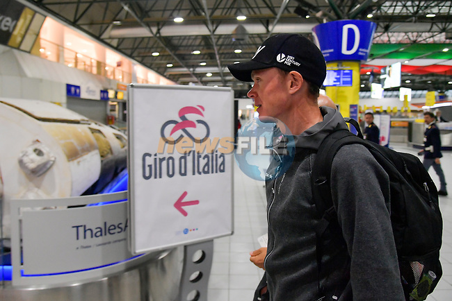 Race leader Chris Froome (GBR) Team Sky arrives at Aeroporto di Caselle Turin to transfer to Rome after Stage 20 of the 2018 Giro d'Italia,  Italy. 26th May 2018.<br /> Picture: LaPresse/Marco Alpozzi | Cyclefile<br /> <br /> <br /> All photos usage must carry mandatory copyright credit (© Cyclefile | LaPresse/Marco Alpozzi)