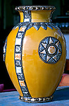 Artesanato mexicano. Vaso de cerâmica.  Foto de Cris Berger.