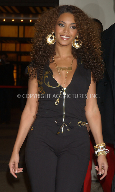 WWW.ACEPIXS.COM.............February 28 2007, New York City....Singer Beyonce, just back in New York from the Oscars, made an appearance at MTV's TRL show in Times Square.......Byline:  KRISTIN CALLAHAN - ACEPIXS.COM....For information please contact:....Philip Vaughan, 2 646 769 0430..Email: info@acepixs.com..Web: www.ACEPIXS.COM