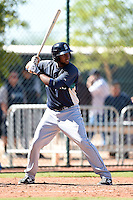Seattle Mariners outfielder Estarlyn Morales (11) during an Instructional League game against the Cleveland Indians on October 1, 2014 at Goodyear Training Complex in Goodyear, Arizona.  (Mike Janes/Four Seam Images)