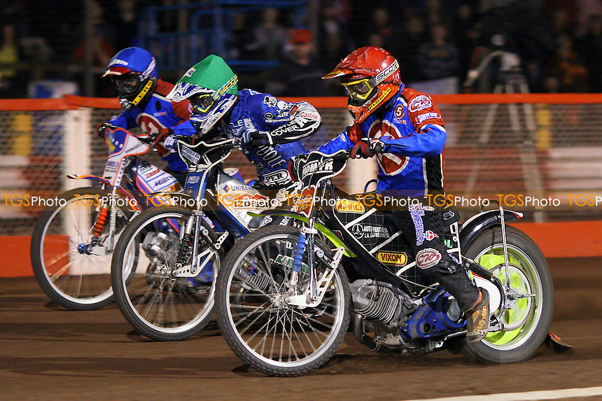 Heat 11: Tomasz Jedrzejak (red), Chris Holder (green) and Krzysztof Jablonski - Lakeside Hammers vs Poole Pirates - Sky Sports Elite League Play-Off Grand Final, First Leg at Arena Essex, Purfleet - 06/10/08 - MANDATORY CREDIT: Gavin Ellis/TGSPHOTO - Self billing applies where appropriate - 0845 094 6026 - contact@tgsphoto.co.uk - NO UNPAID USE.