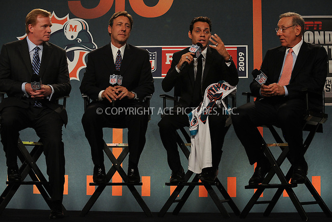 WWW.ACEPIXS.COM . . . . . ....July 21 2009, New York City....NFL Commissioner Roger Goodell, ESPN President George Bodenheimer, Marc Anthony, and Miami Dolphins owner Stephen Ross  at the NFL, ESPN/ESPN Deportes and Miami Dolphins press conference at the Time Warner Center on July 21, 2009 in New York City.....Please byline: KRISTIN CALLAHAN - ACEPIXS.COM.. . . . . . ..Ace Pictures, Inc:  ..tel: (212) 243 8787 or (646) 769 0430..e-mail: info@acepixs.com..web: http://www.acepixs.com