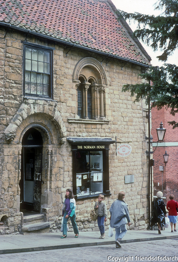 Lincoln: The Norman House, Steep Hill, 1170-1180. Photo '90.