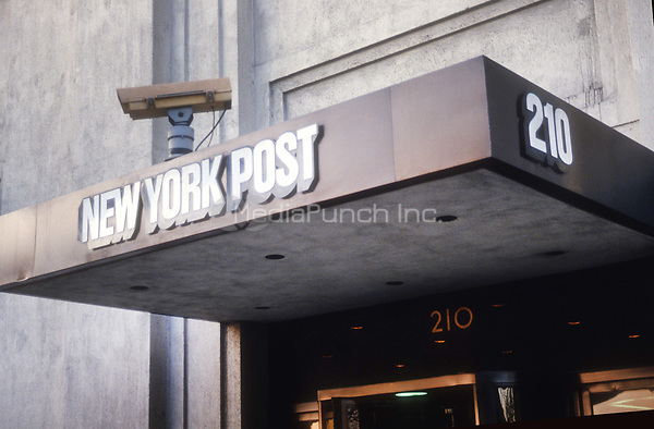 New York Post Building in the late 1970's<br /> Photo By Adam Scull/PHOTOlink.net / MediaPunch