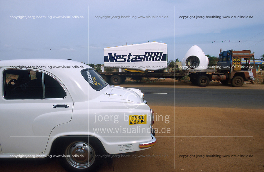 INDIA, Tamil Nadu, Kanyakumari, Cape Comorin, Muppandal, HM Ambassador car and transport of power house for Vestas RRB wind turbine to construction site, Vestas RRB is an indian danish joint venture / INDIEN Kanniyakumari, Kap Komorin, HM Ambassador Automobil und Transport eines Vestas Turbinenhauses zur Baustelle einer Windkraftanlage
