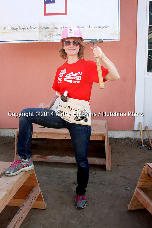 "LOS ANGELES - OCT 25:  Alicia Witt at the Habitat for Humanity build by Showtime's ""House of Lies"" and Shameless at Magnolia Blvd on October 25, 2014 in Lynwood, CA"