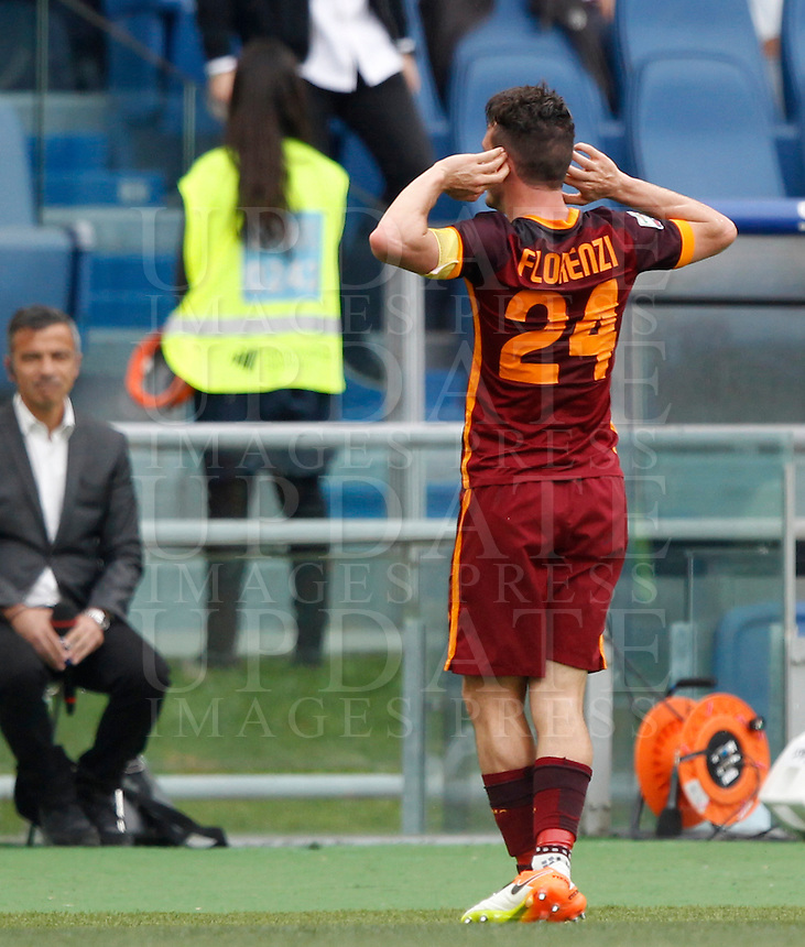 Calcio, Serie A: Lazio vs Roma. Roma, stadio Olimpico, 3 aprile 2016.<br /> Roma&rsquo;s Alessandro Florenzi celebrates after scoring during the Italian Serie A football match between Lazio and Roma at Rome's Olympic stadium, 3 April 2016.<br /> UPDATE IMAGES PRESS/Riccardo De Luca