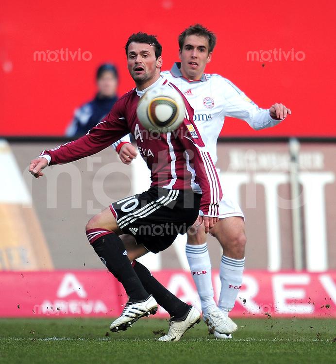 Fussball 1. Bundesliga :  Saison   2009/2010   23. Spieltag   1 FC Nuernberg - FC Bayern Muenchen  20.02.2010 Albert Bunjaku (1 FC Nuernberg) GEGEN Philipp Lahm  (FCB)