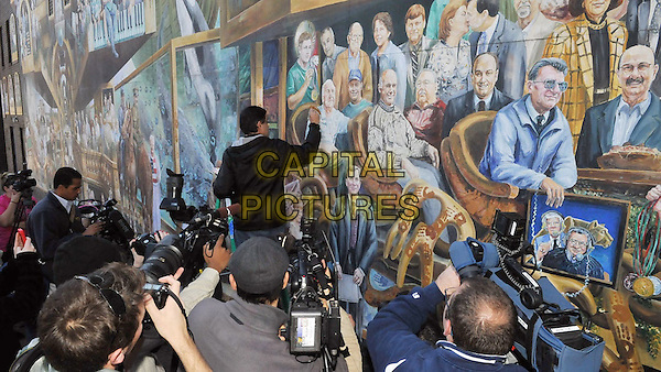 Happy Valley (2014)<br /> Artist Michael Pilato paints over the image of Jerry Sandusky in his mural&nbsp;&ldquo;Inspiration&quot; <br /> *Filmstill - Editorial Use Only*<br /> CAP/KFS<br /> Image supplied by Capital Pictures